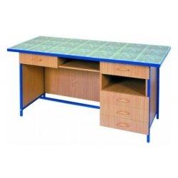Stół laboratoryjny dla nauczyciela