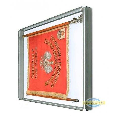 Gablota na sztandar GSZ 100x100x10 cm